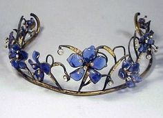 Gripoix Tiara Blue pate de verre flowers set on gilt-metal vine-like structure, rhinestone pendants. The is something any fairy queen would be proud to wear. What a sense of whimsy the designer had and how delicate Royal Crowns, Tiaras And Crowns, Antique Jewelry, Vintage Jewelry, Princess Tiara, Royal Jewelry, Circlet, Hair Ornaments, Crown Jewels