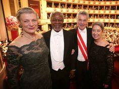 Opernball 2014: So kleideten sich die Gäste. Im Bild: Nane Lagergren, der ehemalige UNO-Generalsekretär Kofi Annan, Bundespräsident Heinz Fischer und seine Ehefrau Margit (Bild: APA)