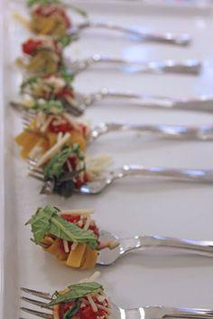 Single bite pasta appetizers...what a great idea!