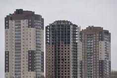 В ГД внесен законопроект о продлении бесплатной приватизации жилья. Правительство внесло на рассмотрение в Госдуму законопроект предлагающий продлить бесплатную приватизацию жилых помещений еще на год - до 1 марта 2017 года. #жилье #приватизация http://ift.tt/21bgeFf