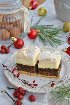 Makowa chmurka - PrzyslijPrzepis.pl Cheesecake, Cooking Recipes, Sweets, Holidays, Bakken, Holidays Events, Cooker Recipes, Goodies, Cheese Pies