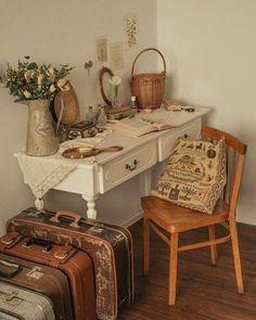 Home Decor Trends, Home Decor Items, Aesthetic Bedroom, Cozy Aesthetic, My New Room, Retro, Room Decor, Aesthetics, Glimore Girls