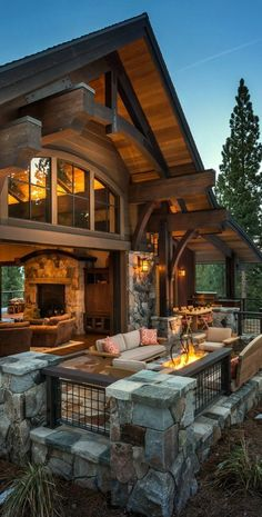 Beautiful outdoor patio. I love that the family room is able to open up to the outside. How cool!