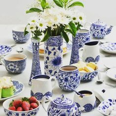 Good morning and happy weekend. Starting with this gorgeousness from our Sustainable Home Hubsters @oxfamshopaustralia with some classic fairtrade tableware - how divine. Head to @sustainablehomehub for more information and follow the profile link and follow @oxfamshopaustralia #sustainablehomehub #fairtrade http://ift.tt/2cRFKOB - http://ift.tt/1HQJd81