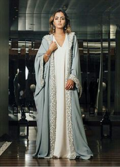 Abaya with border Arab Fashion, Islamic Fashion, Muslim Fashion, Modest Fashion, Kaftan Abaya, Caftan Dress, Mode Abaya, Mode Hijab, Arabic Dress