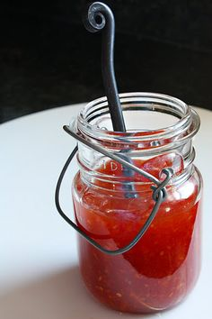 How to Make Thai Sweet Chilli Sauce- love sweet chilli sauce! No weird ingredients in here, either.