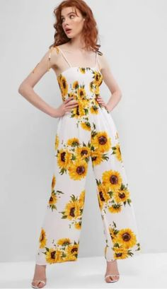 A bright sunflower print with cute self-tie shoulder straps, together with a smocked bodice and open back design, this wide-leg jumpsuit completes your vibrant summer look! Cute Simple Outfits, Cute Summer Outfits, Pretty Outfits, Cute Outfits, Pretty Clothes, Sunflower Print, Vacation Style, White Jumpsuit, Cute Rompers