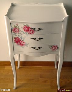 Shabby Chic home decor make-over ref 4662287112 to strive for one delightfully smashing, sweet escape. Kindly stop by the home decor shabby chic diy web link this second for further ideas. Decoupage Furniture, Repurposed Furniture, Shabby Chic Furniture, Vintage Furniture, Painted Furniture, Diy Furniture, Rustic Furniture, Office Furniture, Bedroom Furniture