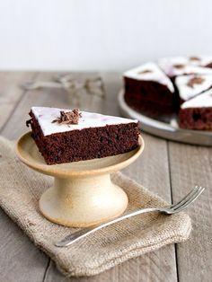Čokoládové řezy z červené řepy Panna Cotta, Sweet Tooth, Recipies, Cheesecake, Food And Drink, Sweets, Baking, Ethnic Recipes, Desserts