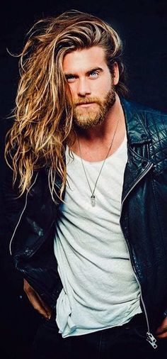 Long Wavy Hairstyle for 2019 Trendy Mens Hairstyles, Haircuts For Men, Long Hairstyles For Men, Medium Hairstyles, Wedding Hairstyles, Hair And Beard Styles, Long Hair Styles, Wavy Hair Men, Long Hair Beard