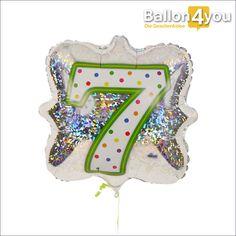 Zahlenballon 7 Ballongeschenk  Sieben Jahre ist es nun schon her, das Ihr Kind geboren wurde. Die Zeit ist schnell vergangen und nun befindet es sich schon in der Grundschule. Zu einer tollen Geburtstagsfeier gehört auch eine ansprechende Dekoration. Dieser Ballongruß zeigt eine farbenfrohe 7 auf glitzerndem Hintergrund. Ideal zu Zierde des größten Geschenks oder der Lieblings-Torte.