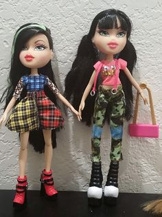 "New Bratz 2015 ""Hello My Name Is"" Jade and ""#selfiesnaps"" Jade"