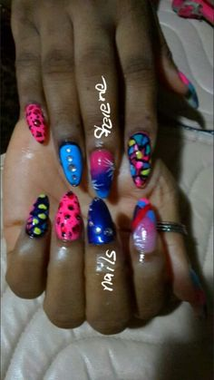 Color nails
