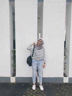 Modern Hijab Fashion, Street Hijab Fashion, Hijab Fashion Inspiration, Muslim Fashion, Casual Hijab Outfit, Hijab Chic, Casual Outfits, Hijab Fashionista, Mode Hijab