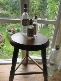 SUPER VINTAGE FRENCH WOODEN BISTRO  STOOL ~ COUNTRY INTERIORS