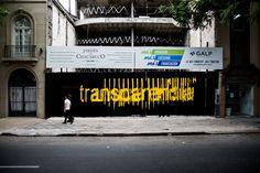 Con el fin de entregar valor a los espacios en construcción en la ciudad de Córdoba, Argentina, la artista visual Romina Castiñeiraen alianza con...  http://www.plataformaarquitectura.cl/cl/804619/variaciones-sobre-transparencias-una-interferencia-urbana-bajo-el-lente-de-gonzalo-viramonte?utm_medium=email&utm_source=Plataforma%20Arquitectura