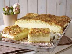 Gibt's am Sonntag - for Sunday Bienenstich-Rezept zum Selbermachen - bienenstich-vom-blech Rezept von lecker.de