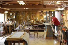 Workshop Organization, Workshop Ideas, Cool Wood Projects, Studio Shed, Garage Repair, George Nakashima, Wood Furniture, Furniture Ideas, Atelier