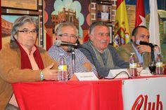 """Victorino Peña, Valentín Granados, Juanvi de la Calle y Ángel Martínez """"Piyayo"""" durante la conferencia del Club Taurino Villa de Pinto."""
