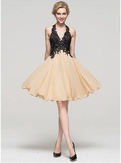 A-Line/Princess Halter Knee-Length Chiffon Homecoming Dress With Beading Sequins