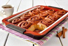 Rulouri cu scortisoara & Cinnamon Rolls (CC Eng Sub) Eat Dessert First, Pie Dessert, Dessert Recipes, Desserts, Romanian Food, Cinnamon Rolls, Food To Make, Food And Drink, Yummy Food
