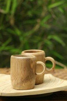 Bamboo box Vietnam - Round shape, great quality, various type. We can supply and making as custom demand. We have competive scoure bamboo and worker Bamboo Cups, Bamboo Box, Bamboo House, Bamboo Ideas, Bamboo Planter, Bamboo Lamp, Bamboo Garden, Bamboo Crafts, Wood Crafts