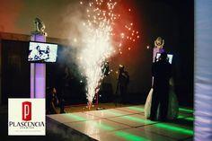 Contamos con lo último en tecnología de iluminación y audio de alta fidelidad, además nuestros DJ's se especializan en mantener el ambiente durante toda la fiesta. Relacionado