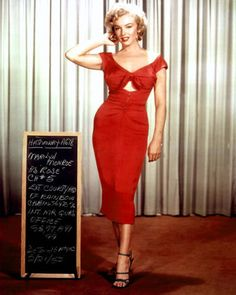 Marilyn-Monroe-50s-Couture-Style-Black-Rockabilly-Wiggle-Pinup-Niagara-Dress-14