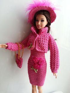 vetement pour poupée mannequin Barbie (201)                                                                                                                                                                                 Plus