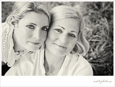 would love to get some pics done with my mom ... lovely!