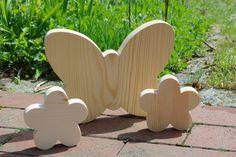 Deko-Objekte - Holzblumen und Schmetterling - ein Designerstück von Andreas-KreativWelt bei DaWanda