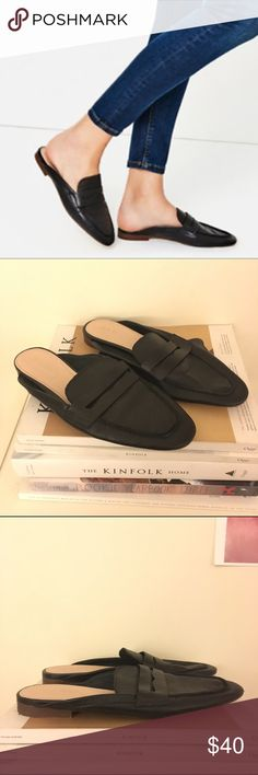 Zara Slip-on Loafers size 7 Sold out, super soft leather loafer slides. These are the comfiest shoes ever but I don't wear them enough! Size 37 Zara Shoes Flats & Loafers
