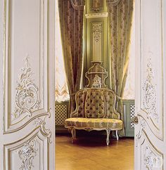 Places : Yusupov Palace, Saint Petersburg, Russia by {this is glamorous}, via Flickr