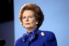 """What Margaret Thatcher Did For Pop Music  """"エルヴィス・コステロ,1983年「シップビルディング」軍艦を作る造船所の町の悲哀を通してフォークランド紛争への抗議。ポール・ウェラー率いるザ・スタイル・カウンシル、1984年のヒット曲「シャウト・トゥ・ザ・トップ」で「底辺に落ちてあえいでいるときは、いちばん偉いやつに叫べ」。ザ・スミスの元ボーカリストでソロ活動を続けているモリッシ-、1988年「マーガレット・オン・ザ・ギロチン」の中で「マーガレットをギロチンにかけろ」  http://www3.nhk.or.jp/news/html/20130409/k10013783571000.html"""
