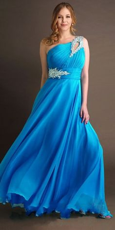 plus size prom dress Beautiful! Saw one just like it at http://www.womensuitsupto34.com/