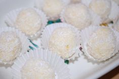 Die süßen Schneebälle sind ein köstliches Dessert. Das Rezept eignet sich toll für Ihre Parties und wird Ihren Gästen schmecken.