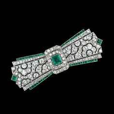 Art Deco Emerald and Diamond Brooch #Bowknot#