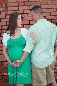 Maternity picture ideas!!