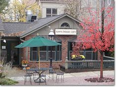 St. Charles IL. Town House Books and Cafe