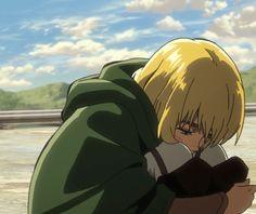 Armin Arlert, he doesn't deserve this crap Armin Snk, Mikasa, Aot Gifs, Anime Ai, Aot Characters, Eremika, Anime Boyfriend, Attack On Titan Anime, Aesthetic Anime