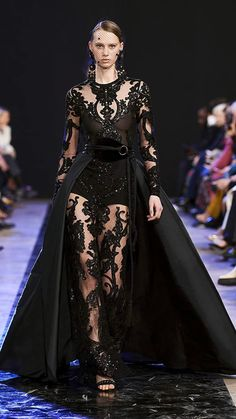 Fashion Week, Runway Fashion, Fashion Show, Fashion Design, Fall Fashion, Paris Fashion, Fashion Trends, Elie Saab Couture, Elie Saab Bridal