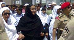ওমরাহ পালন করলেন প্রধানমন্ত্রী http://coxsbazartimes.com/?p=28841