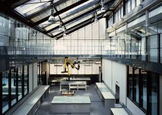 Dyson Building: Department of Fine and Applied Arts, Londra, 2012 - Haworth Tompkins Architecture Today, Architecture Student, Interior Architecture, Interior Design, Car Part Furniture, Modern Furniture, Furniture Design, Building Department, Space Interiors
