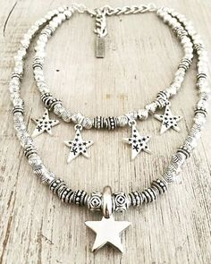 Comprá online Gargantilla MultiStar por $345,00. Hacé tu pedido, pagalo online y recibilo donde quieras. Cute Jewelry, Boho Jewelry, Jewelry Art, Beaded Jewelry, Silver Jewelry, Jewelry Accessories, Fashion Jewelry, Jewlery, Alcohol Ink Jewelry