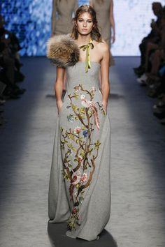 Alberta Ferretti Fall 2016 Ready-to-Wear Fashion Show / défilé de mode prêt-à-porter automne 2016