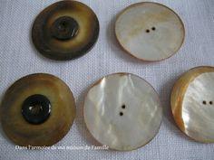 Gros boutons en nacre fabriqués par un artisan boutonnier français dans les années 50 / 70