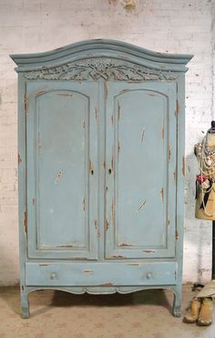 French Armoire Painted Cottage Chic Shabby by paintedcottages Baños Shabby Chic, Shabby Chic Wardrobe, Shabby Cottage, Shabby Chic Furniture, Cottage Chic, Vintage Furniture, Painted Furniture, Armoire Wardrobe, Wardrobe Ideas