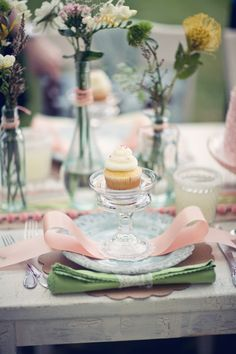 Love this idea for serving a cupcake at a party or brunch. So pretty.