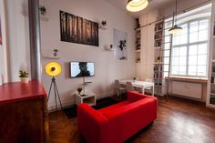 Loft u mjestu: Ljubljana, Slovenija. 53m2 LOFT is placed in an old tobacco factory on the edge of the city center. Great location to start you trip to Ljubljana or Slovenia and parking available at the property.  Full of light and sun, with big windows to fully enjoy your stay. Pleas...