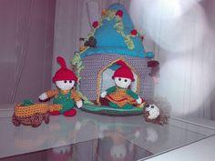 Gemaakt door Jolanda Kuus-Vervat Sewing Patterns, Christmas Ornaments, Holiday Decor, Home Decor, Decoration Home, Room Decor, Christmas Jewelry, Patron De Couture, Christmas Decorations